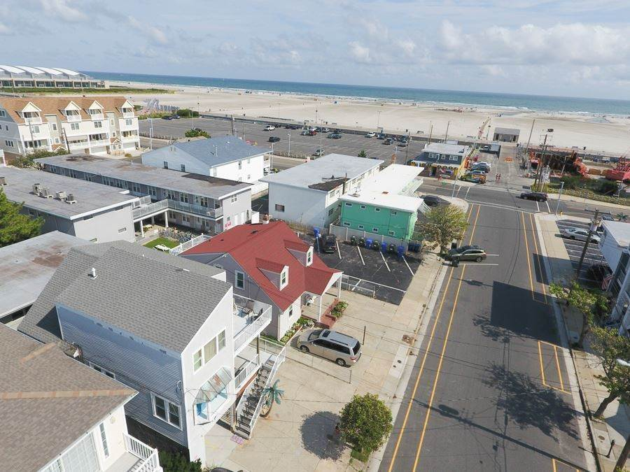Multi-Family Homes for Sale at 305 E Leaming Avenue Wildwood, New Jersey 08260 United States
