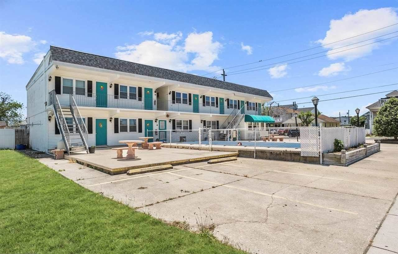 Commercial for Sale at 5209 New Jersey Avenue Wildwood, New Jersey 08260 United States