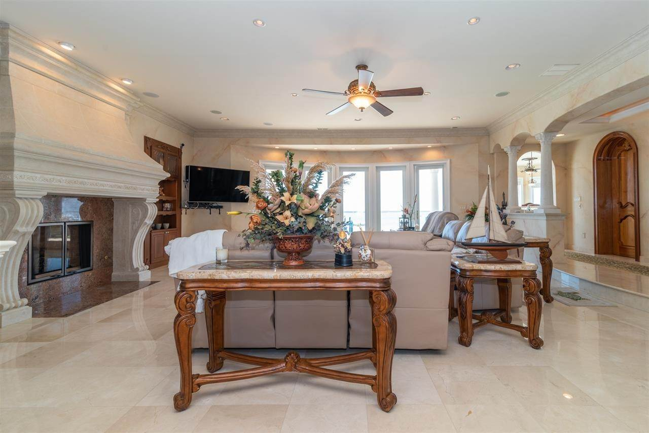 11. Single Family Homes for Sale at 530 W Shore Drive Brigantine, New Jersey 08203 United States