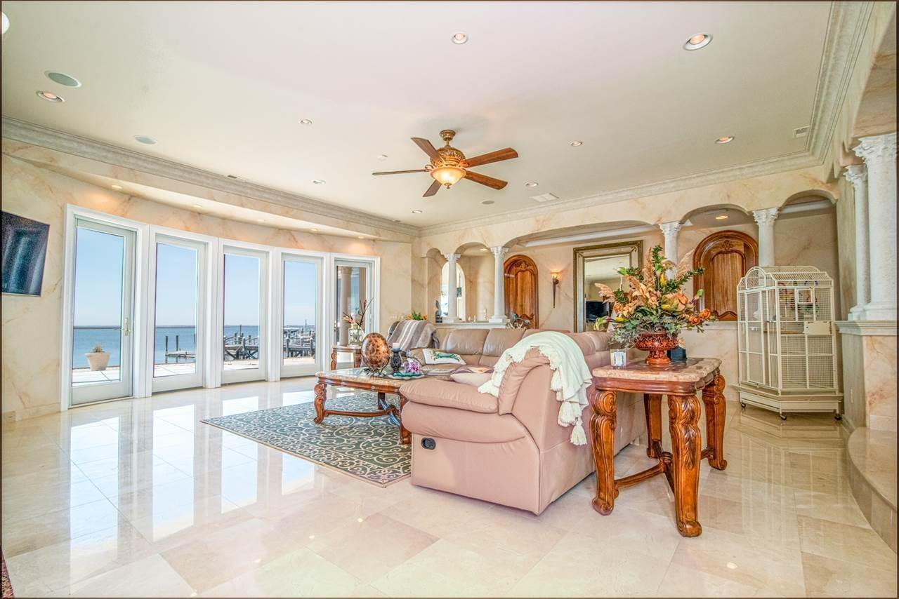 12. Single Family Homes for Sale at 530 W Shore Drive Brigantine, New Jersey 08203 United States