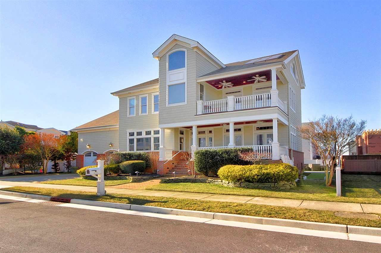 Single Family Homes for Sale at 510 N Thurlow Avenue Margate, New Jersey 08402 United States