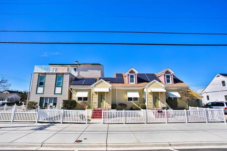 Multi-Family Homes 为 销售 在 404 Surf Avenue North Wildwood, 新泽西州 08260 美国