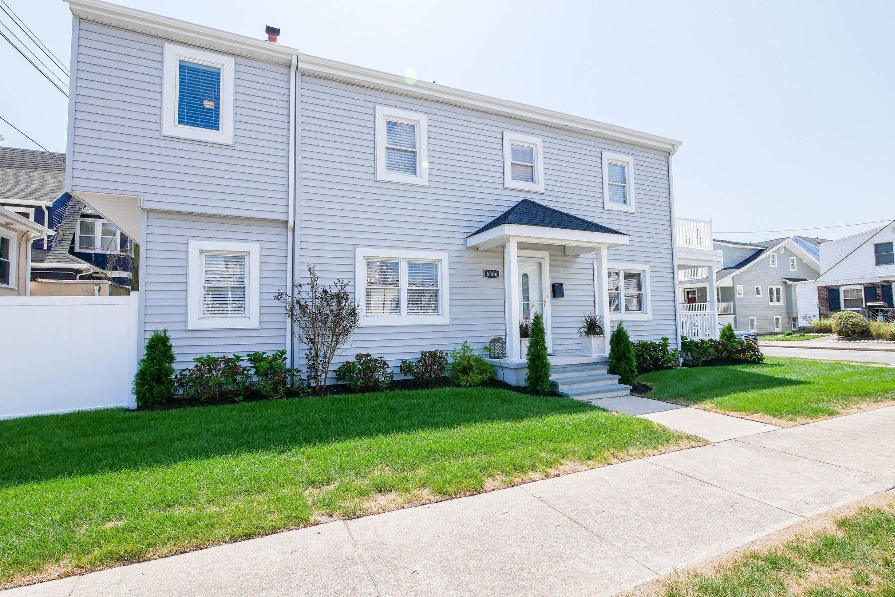 Single Family Homes for Sale at 101 S Portland 101 S. Portland Ave Ventnor, New Jersey 08406 United States