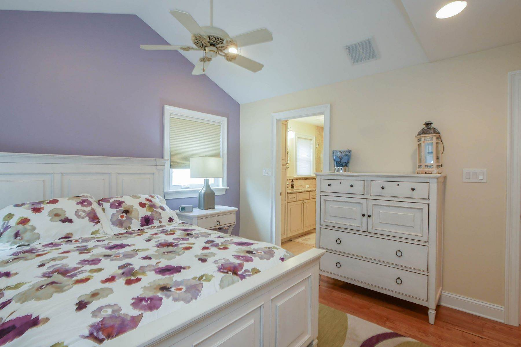 13. Single Family Homes for Sale at 10 N Exeter Avenue Margate, New Jersey 08402 United States