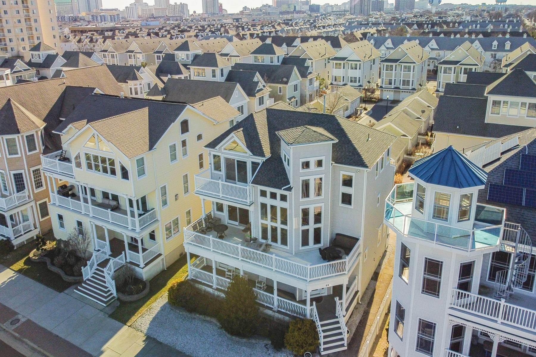 40. Single Family Homes for Sale at 414 N Maine Ave Atlantic City, New Jersey 08401 United States