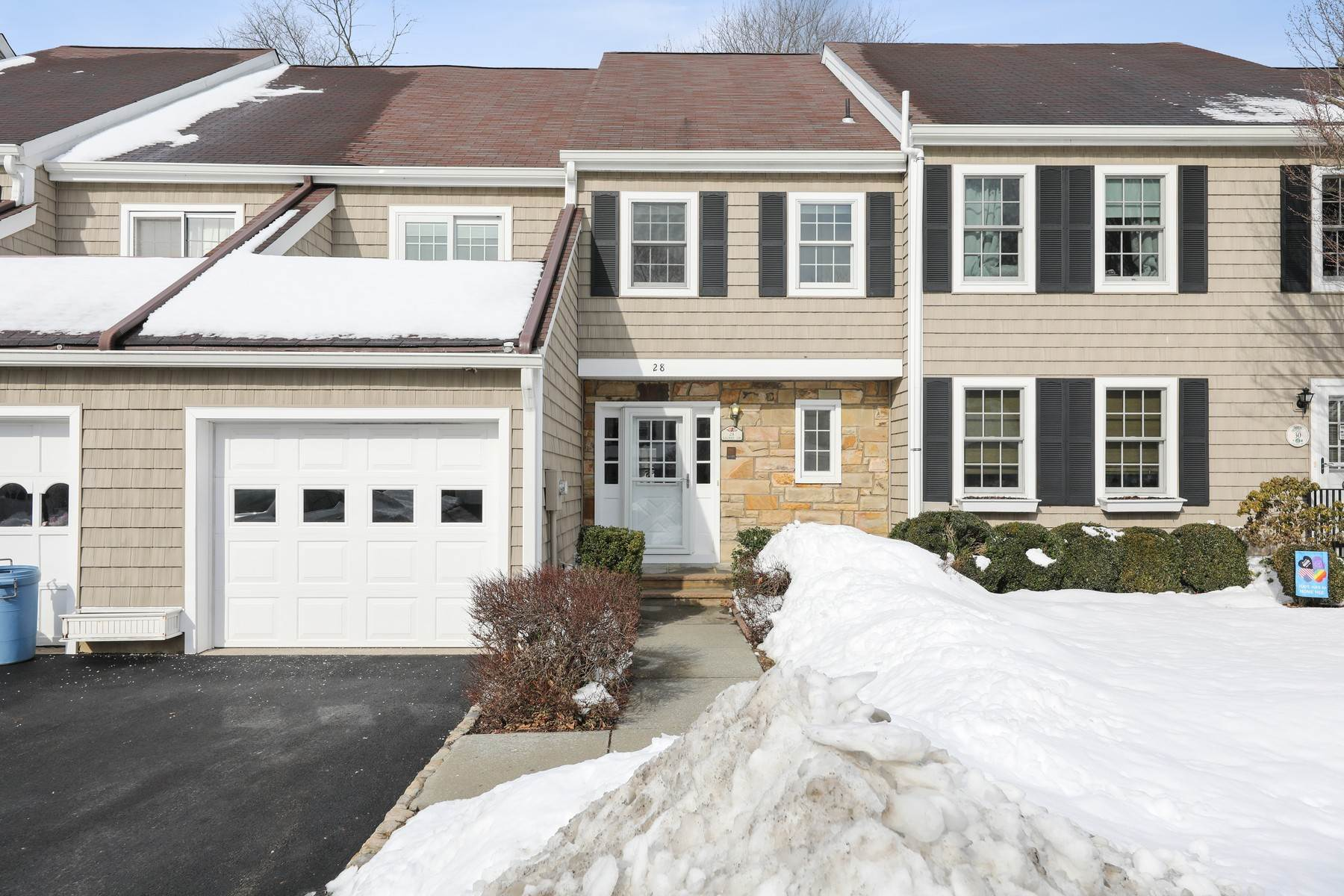 townhouses for Sale at Welcome Home 28 Galway Drive Mendham, New Jersey 07945 United States