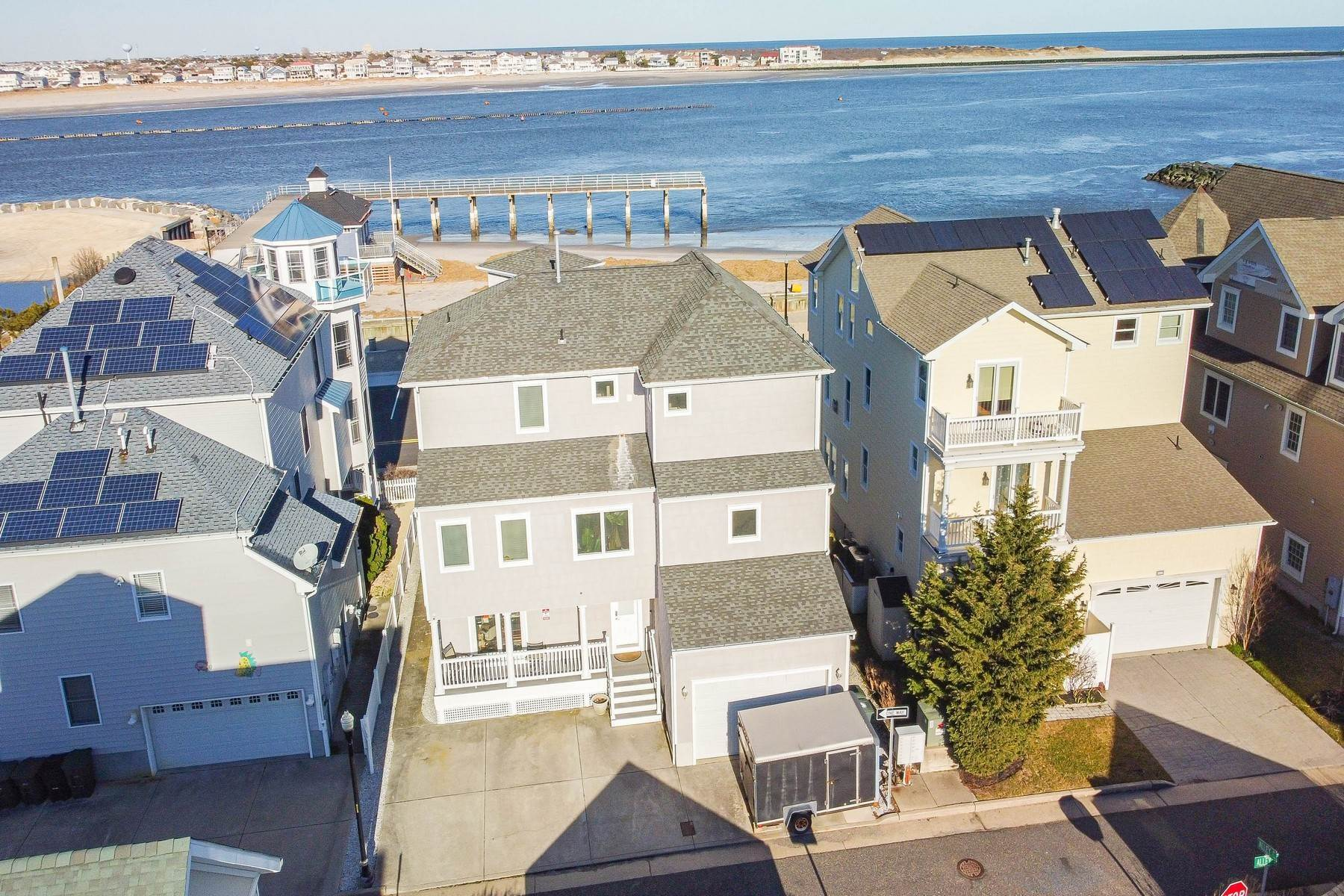 42. Single Family Homes for Sale at 414 N Maine Ave Atlantic City, New Jersey 08401 United States