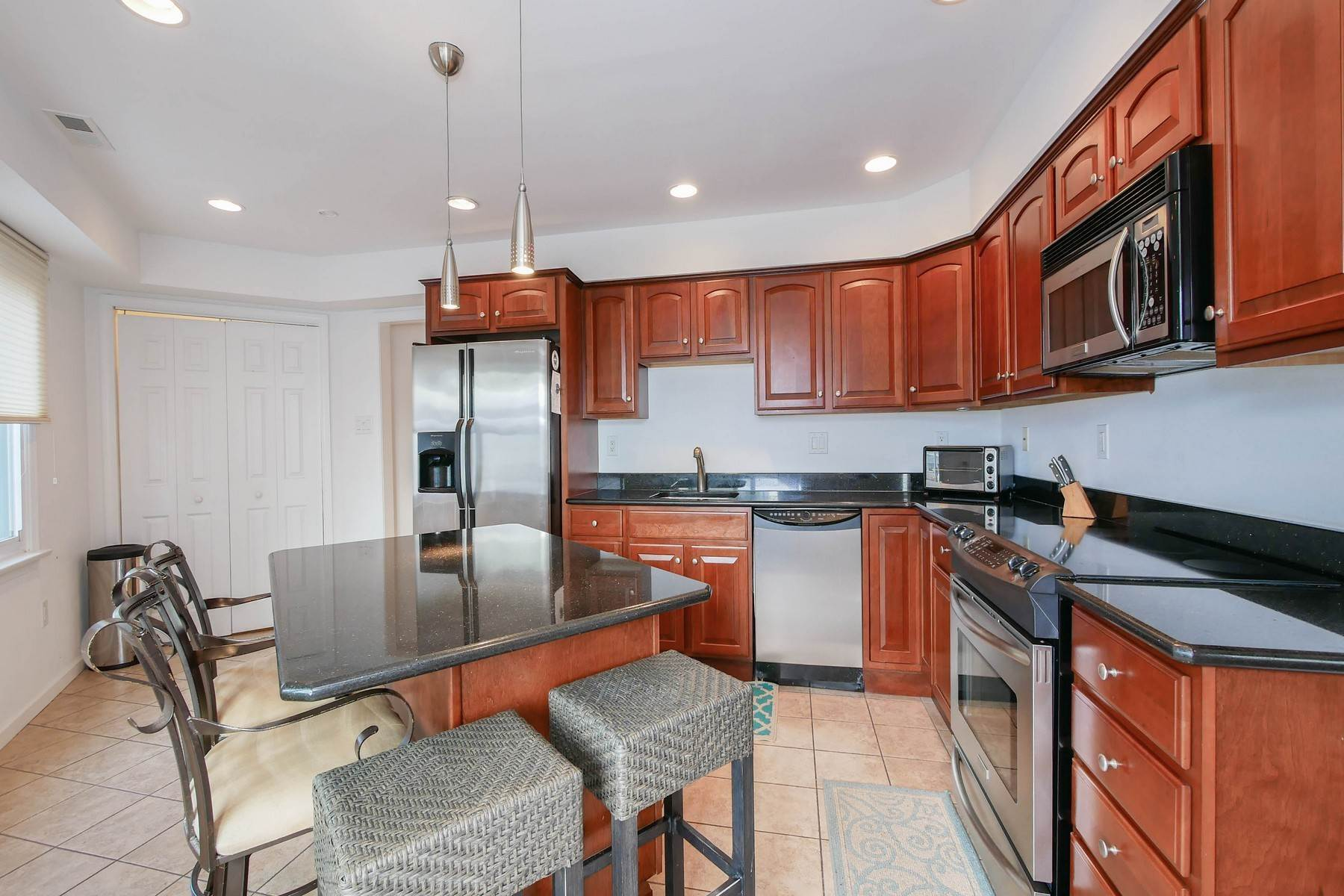 11. townhouses for Sale at 104 S Monroe Avenue Margate, New Jersey 08402 United States