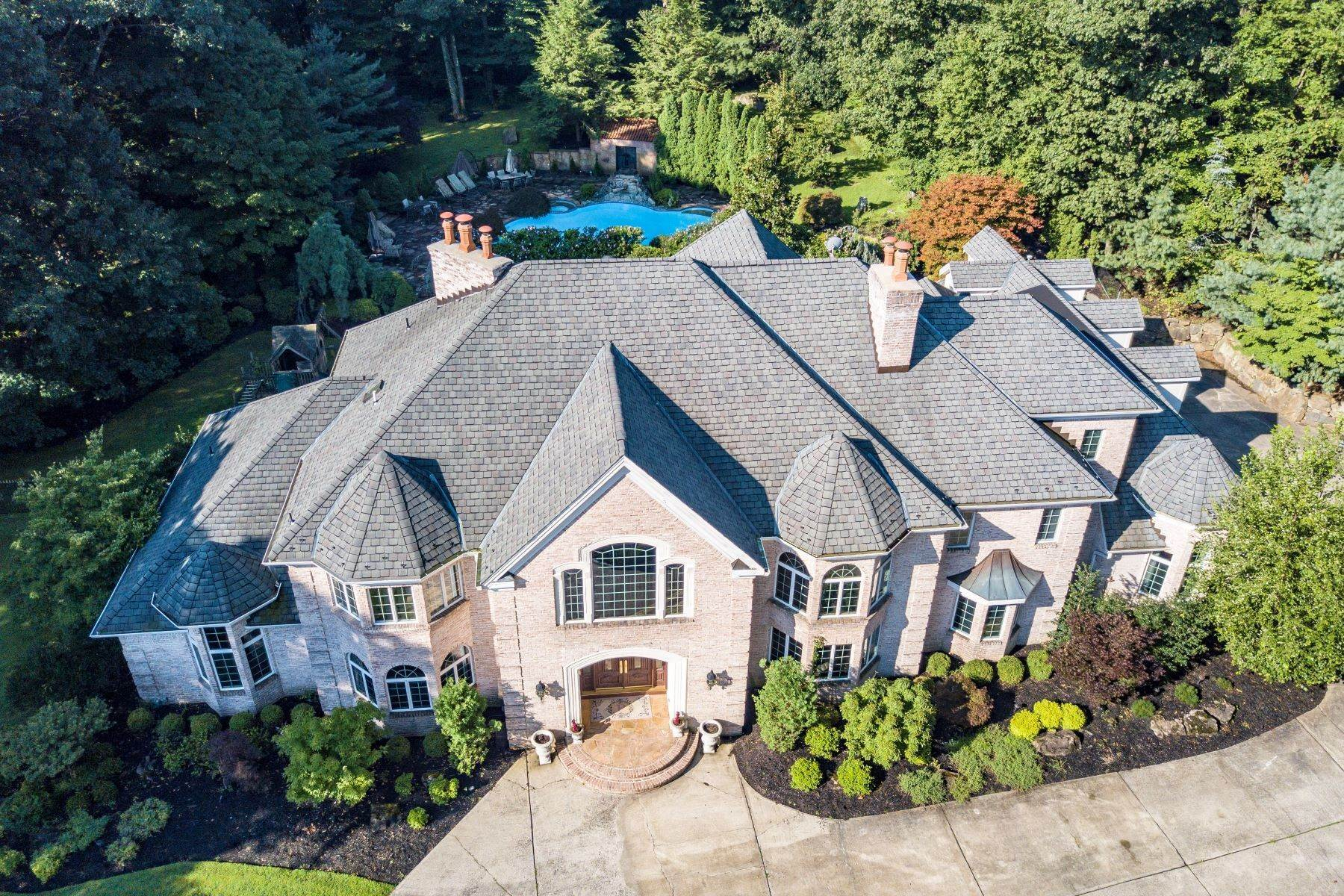 Single Family Homes for Sale at Exquisite Custom Home 5 Queens Court Mendham, New Jersey 07945 United States