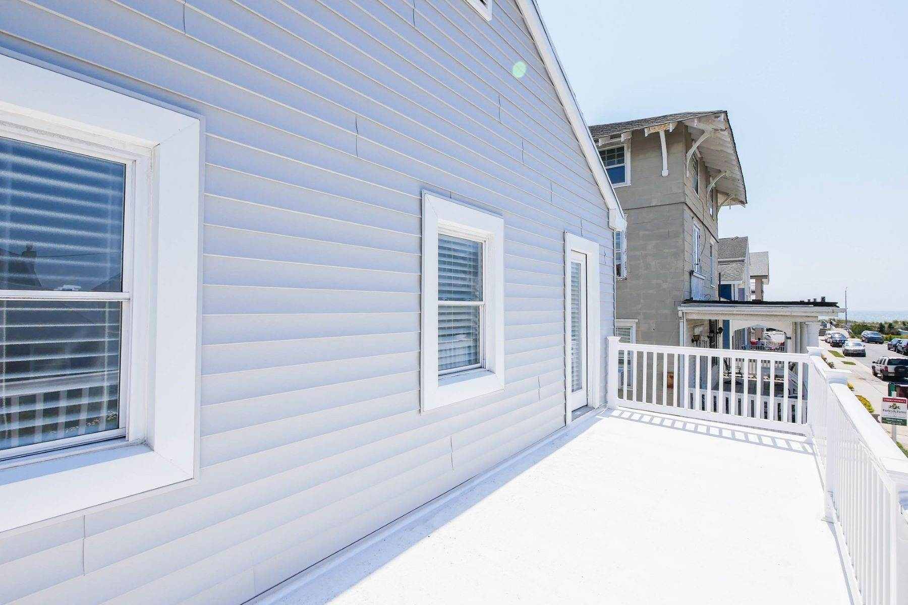15. Single Family Homes for Sale at 101 S Portland 101 S. Portland Ave Ventnor, New Jersey 08406 United States