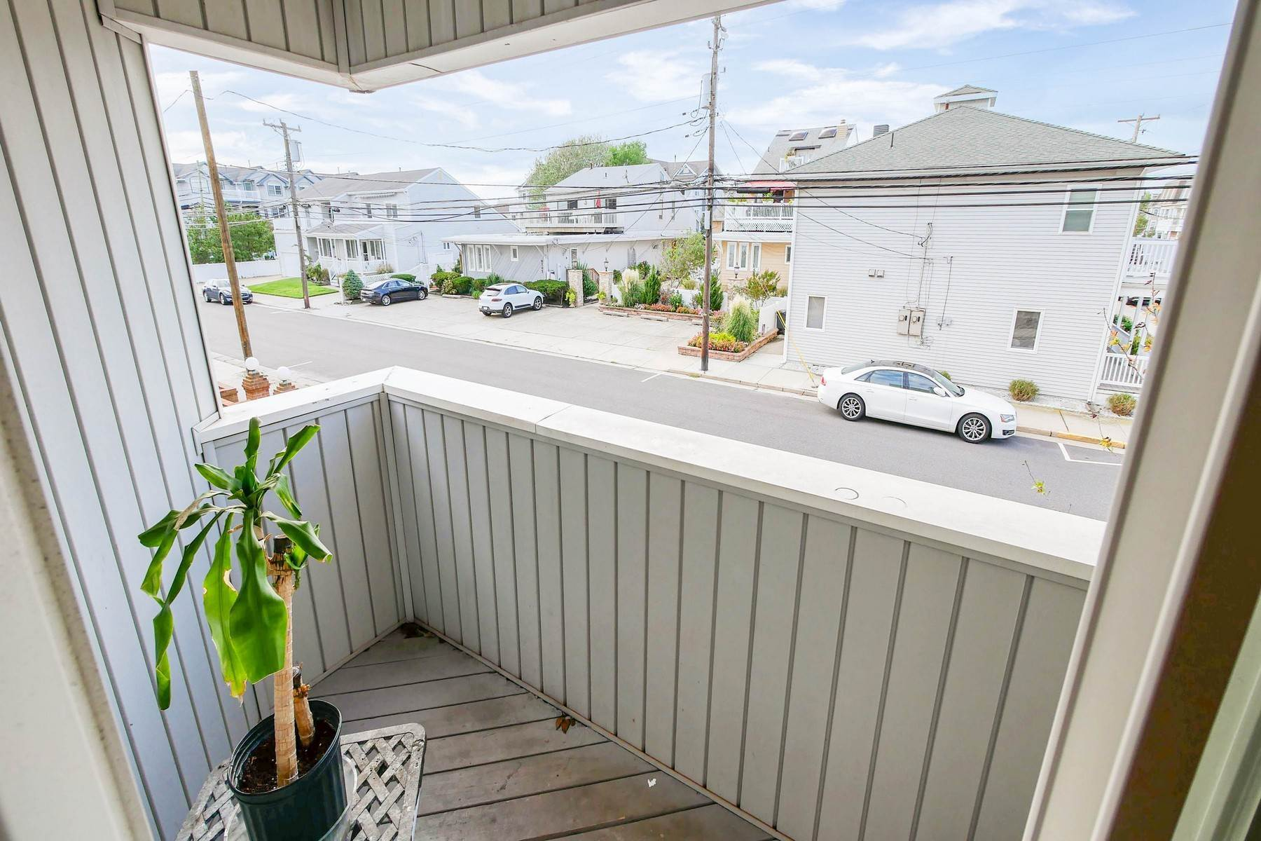 7. townhouses for Sale at 104 S Monroe Avenue Margate, New Jersey 08402 United States