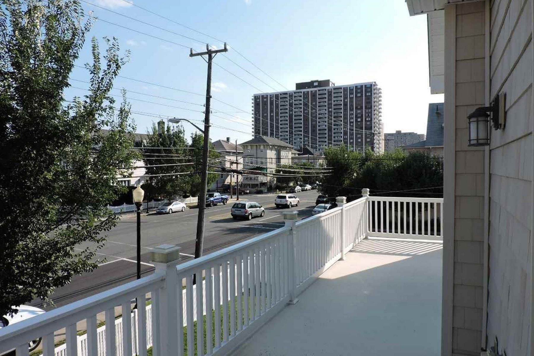6. Single Family Homes for Sale at 4307 Atlantic Ave Atlantic City, New Jersey 08401 United States
