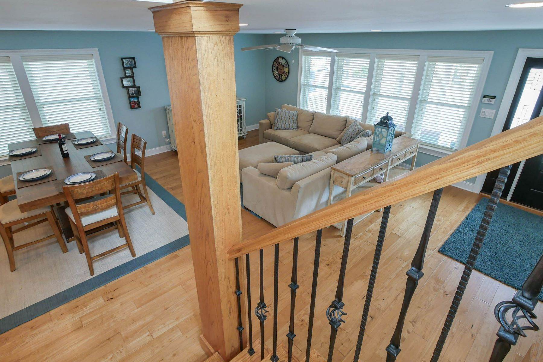 15. Single Family Homes for Sale at 10 N Exeter Avenue Margate, New Jersey 08402 United States