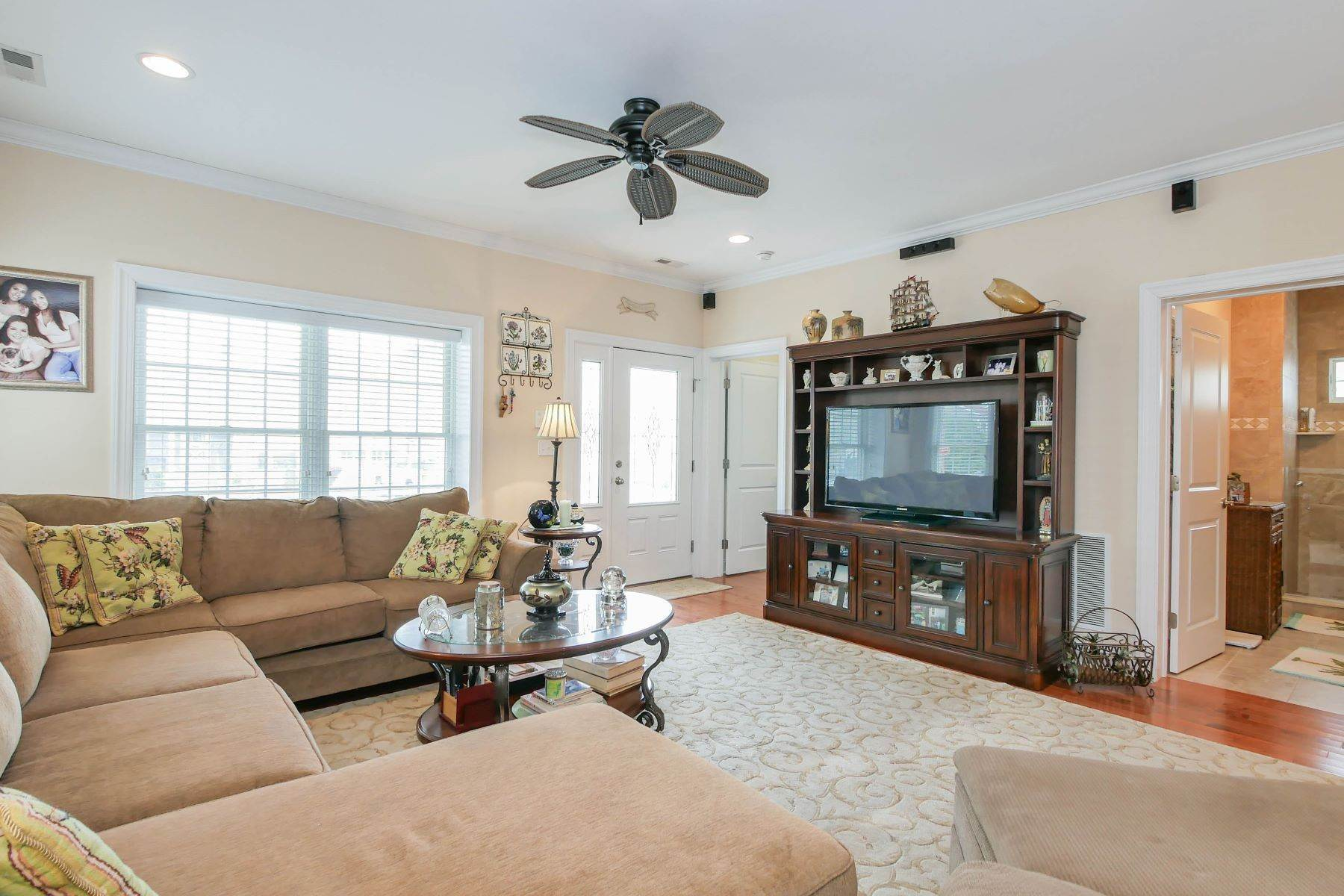 3. Single Family Homes for Sale at 210 N Pembroke Ave Margate, New Jersey 08402 United States