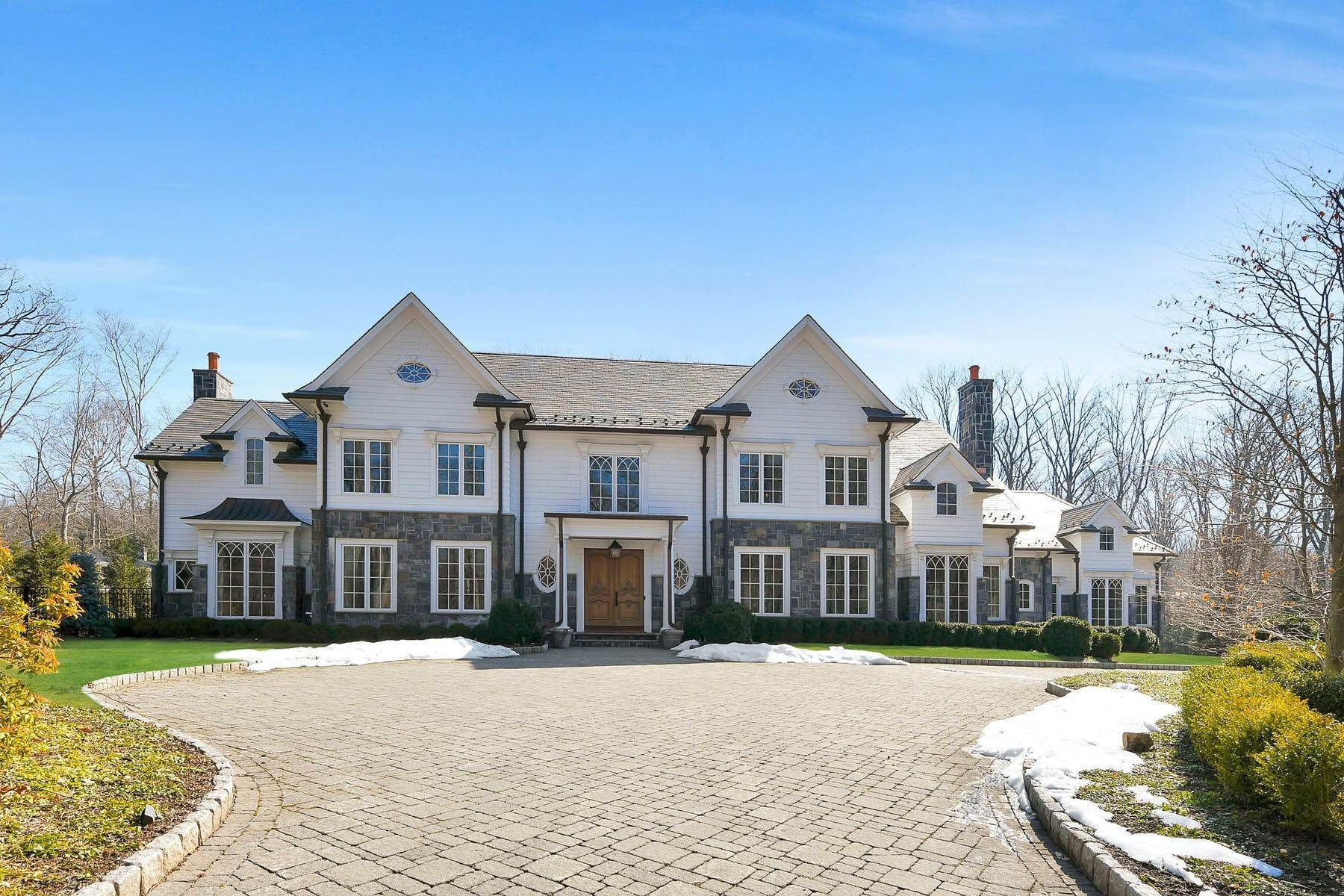 Single Family Homes for Sale at Exquisite Manor Estate 19 Werimus Brook Rd Saddle River, New Jersey 07458 United States