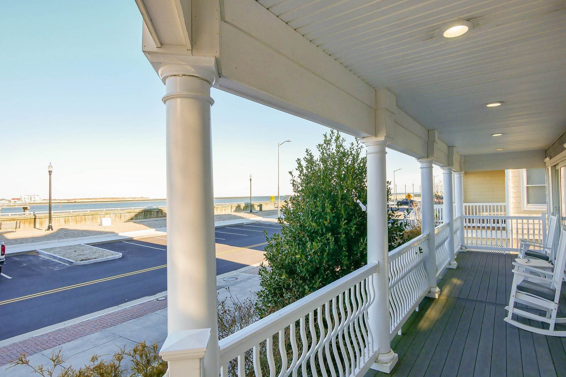 32. Single Family Homes for Sale at 414 N Maine Ave Atlantic City, New Jersey 08401 United States