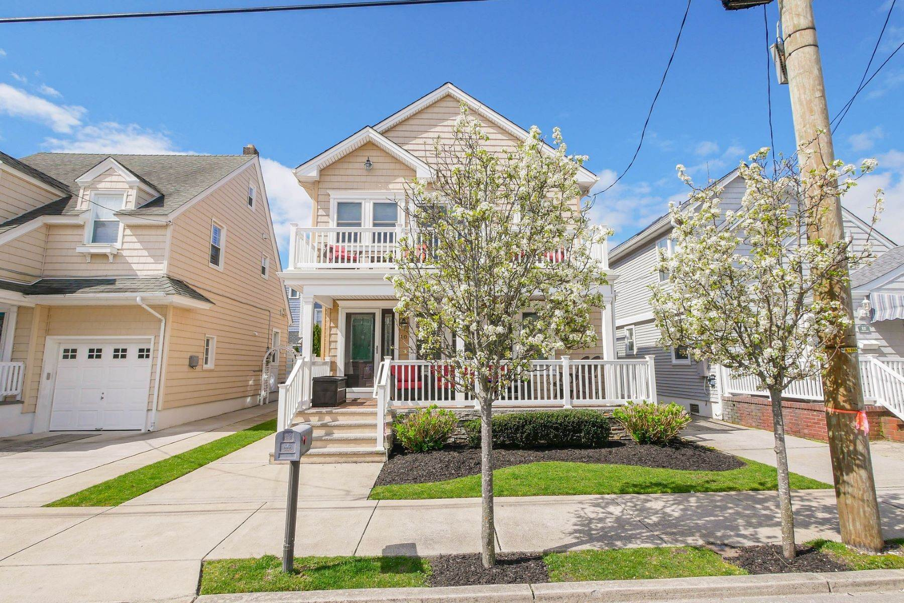 2. Single Family Homes for Sale at 10 N Exeter Avenue Margate, New Jersey 08402 United States