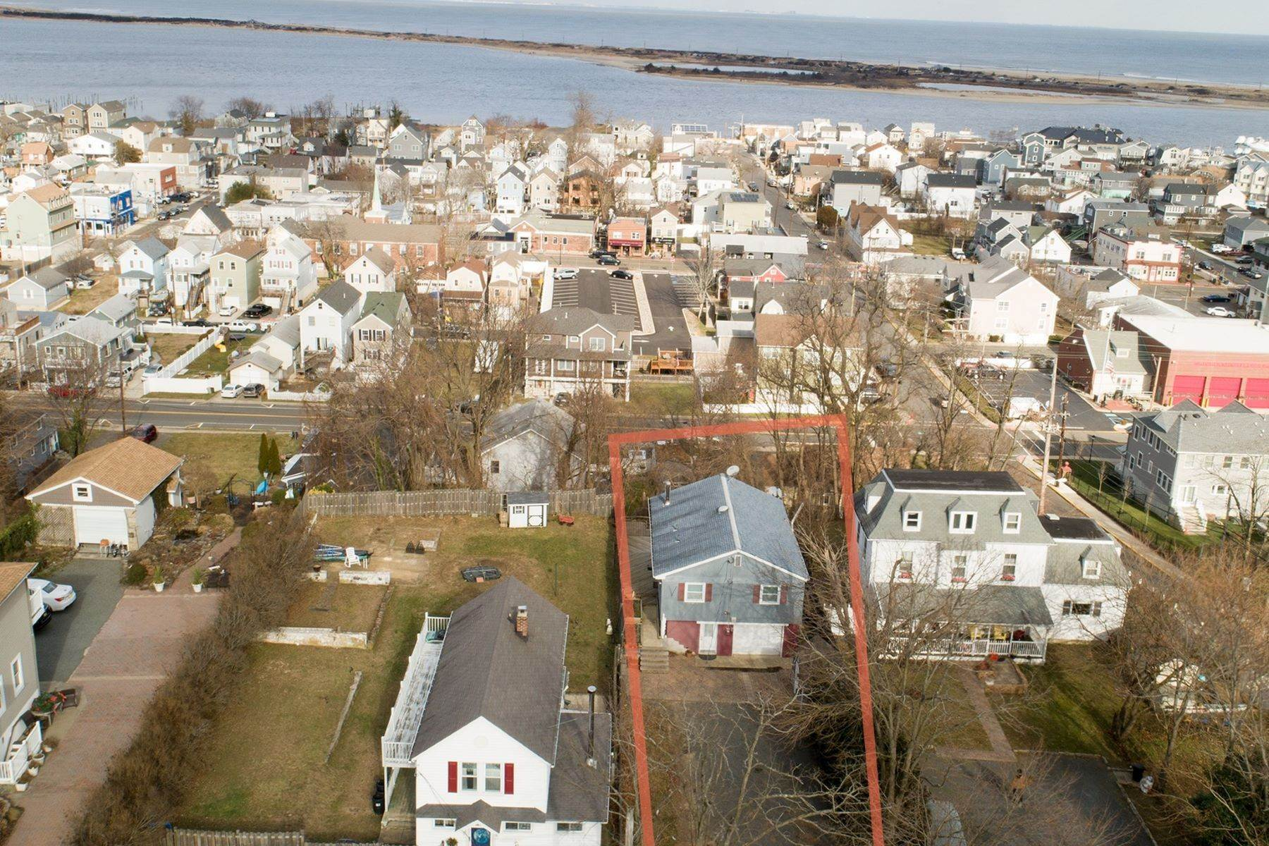 Single Family Homes for Sale at Shore Property Atop the Hills of the Highlands 156 Navesink Ave Highlands, New Jersey 07732 United States