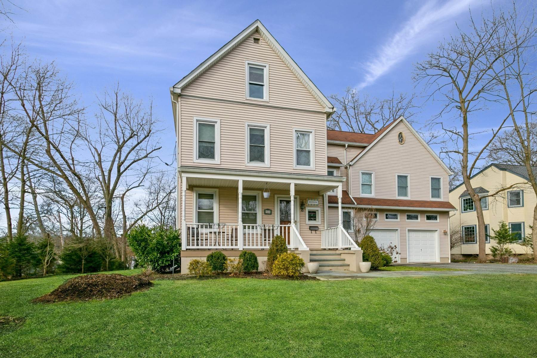 Single Family Homes for Sale at Magical Home! 33 Blanche Ave Demarest, New Jersey 07627 United States