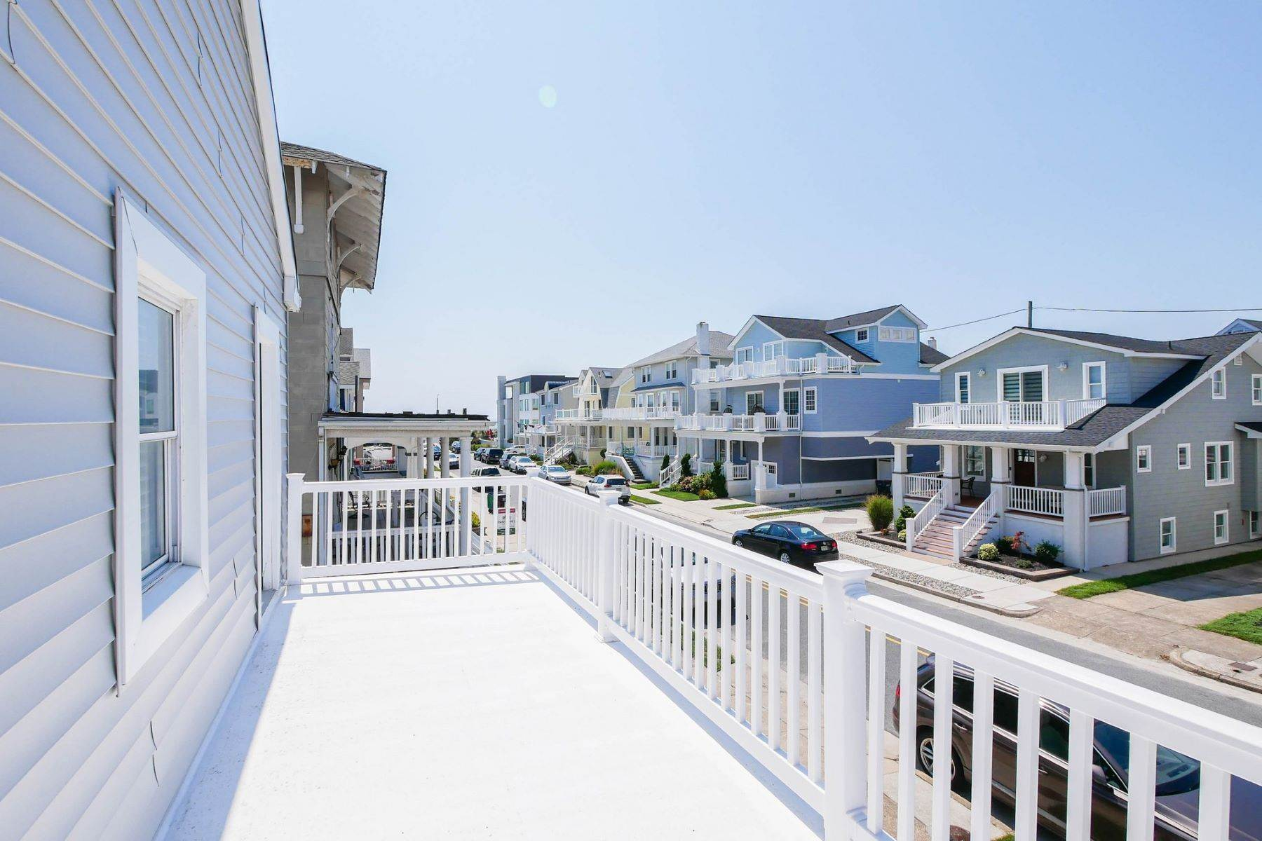 14. Single Family Homes for Sale at 101 S Portland 101 S. Portland Ave Ventnor, New Jersey 08406 United States