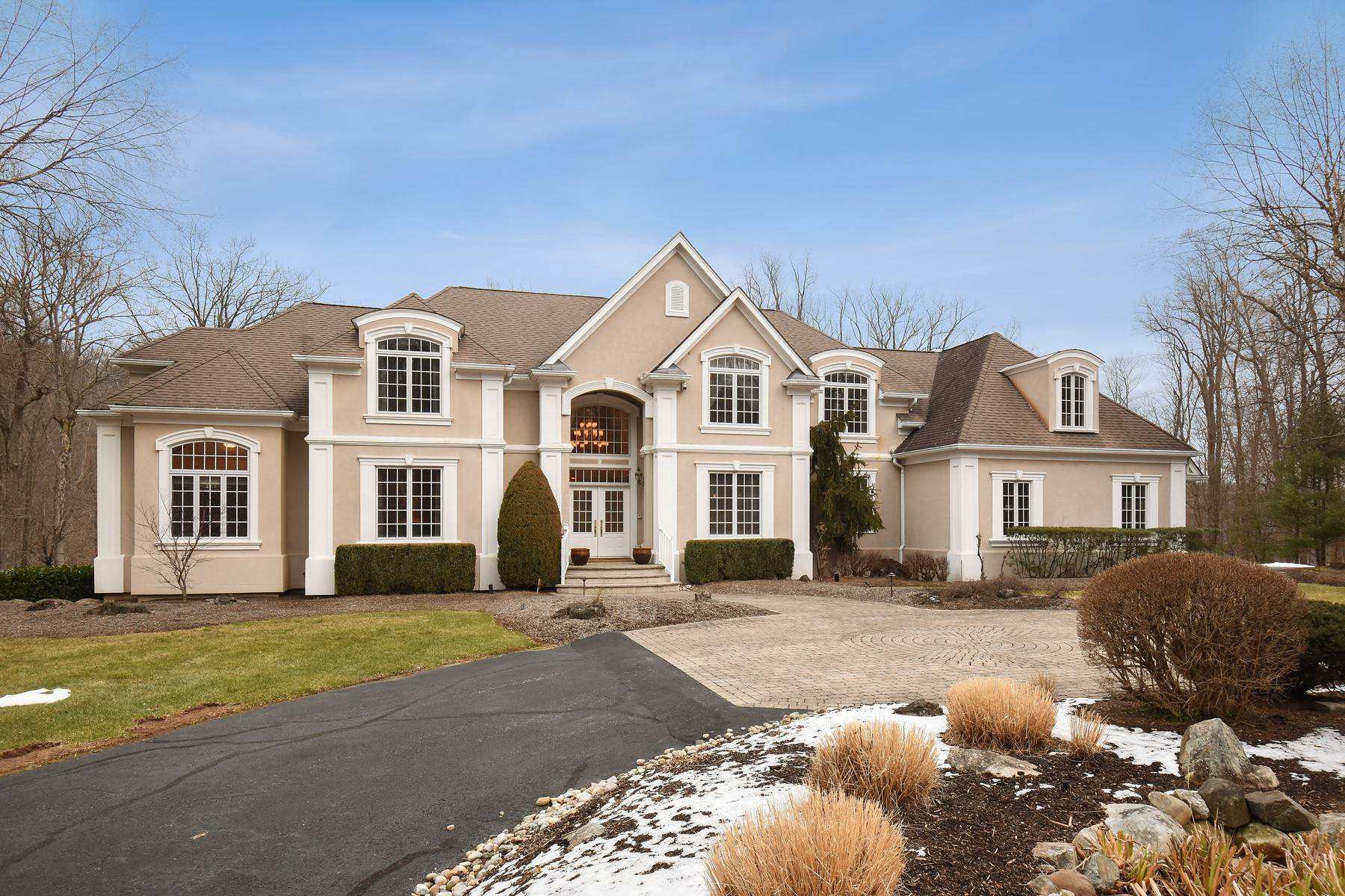 Single Family Homes for Sale at 100 Fayson Lake Road Kinnelon 100 Fayson Lake Road Kinnelon, New Jersey 07405 United States