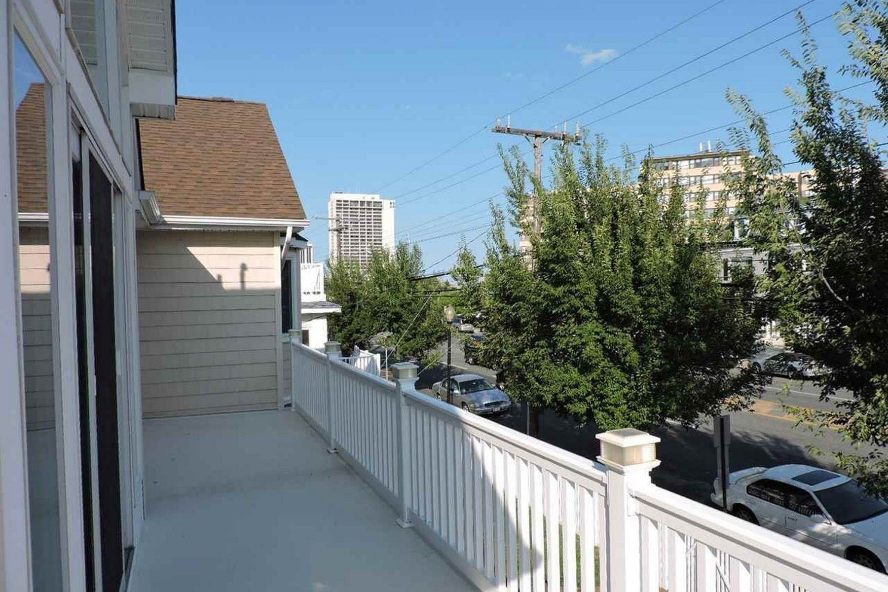 5. Single Family Homes for Sale at 4307 Atlantic Ave Atlantic City, New Jersey 08401 United States