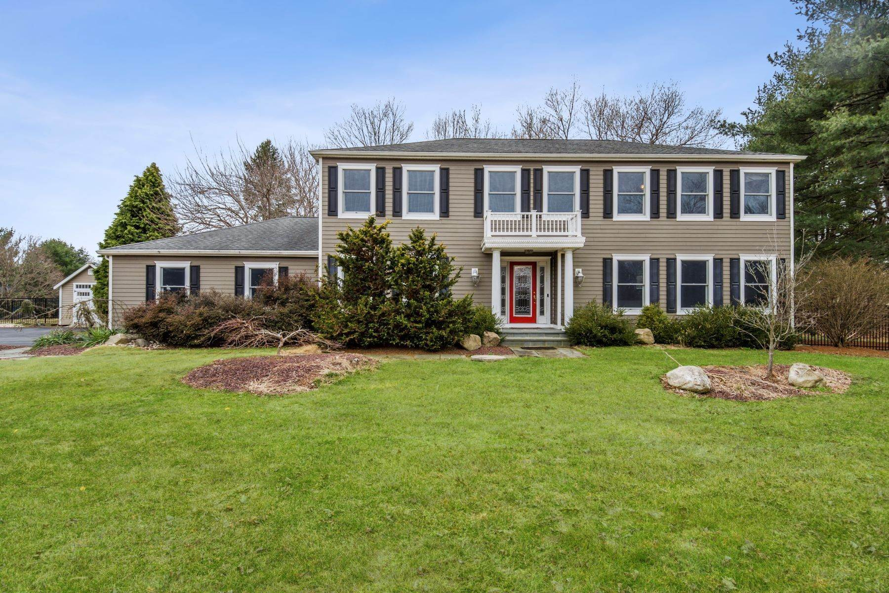 Single Family Homes for Sale at The Whole Package on a Pretty Shadow Oaks Lot 6 Scottsdale Court Cranbury, New Jersey 08512 United States