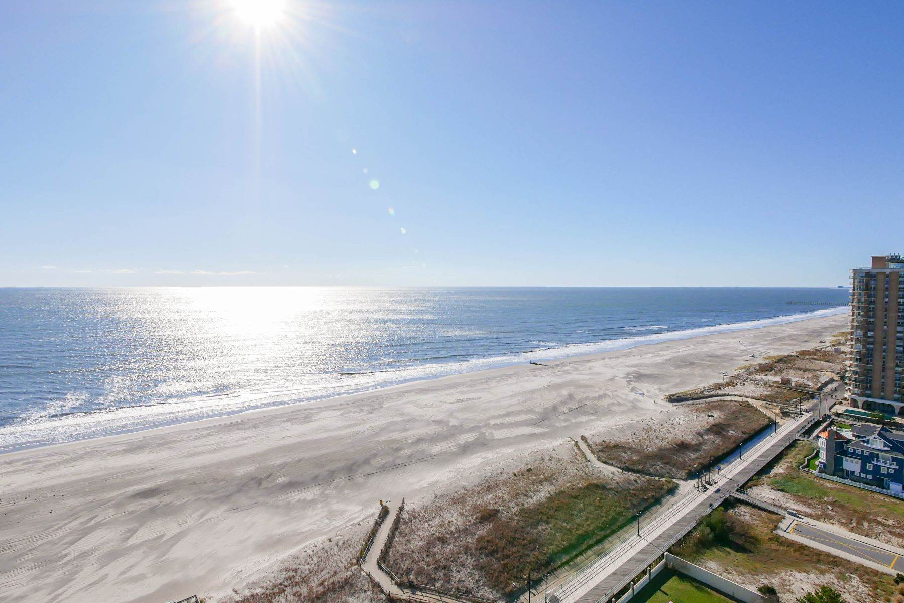 22. Condominiums for Sale at 100 S Berkely #21A 100 S Berkley Ave #21A Atlantic City, New Jersey 08401 United States