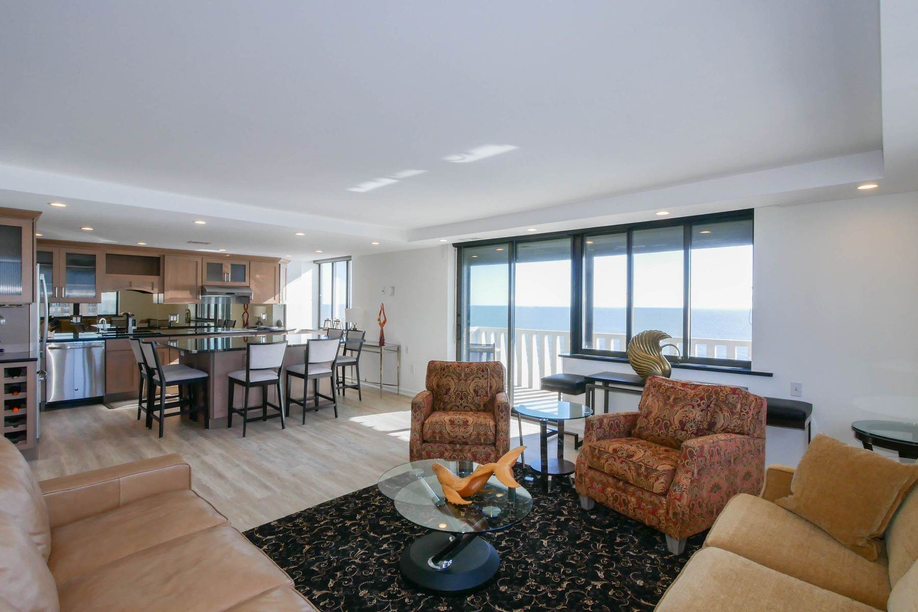 3. Condominiums for Sale at 100 S Berkely #21A 100 S Berkley Ave #21A Atlantic City, New Jersey 08401 United States