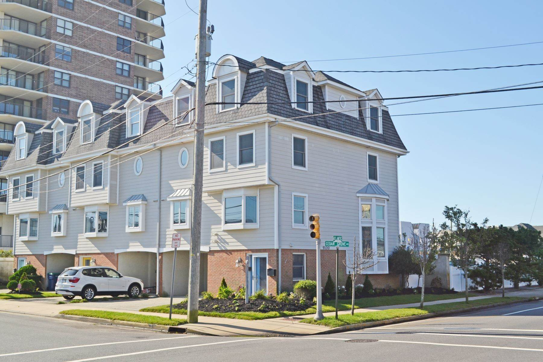 townhouses at Island House 9100 Atlantic, #1 Margate, New Jersey 08402 United States