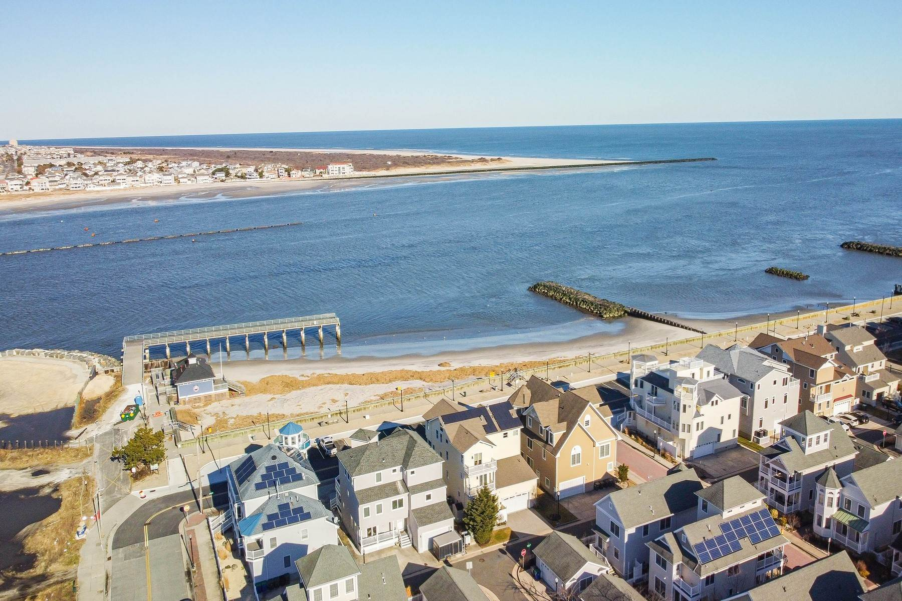 41. Single Family Homes for Sale at 414 N Maine Ave Atlantic City, New Jersey 08401 United States