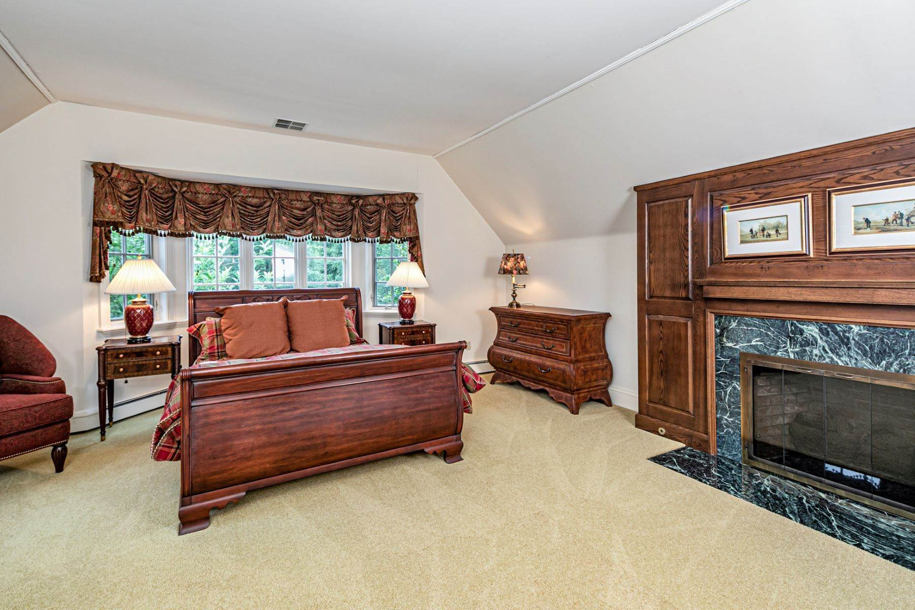 21. Single Family Homes for Sale at Private Compound with Every Amenity Imaginable 82 Aunt Molly Road Hopewell, New Jersey 08525 United States